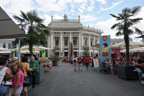 Burgtheater Wiedeń zamieszkali.pl