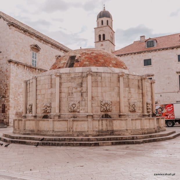 Dubrownik Atrakcje Stare Miasto Studnia Onofria