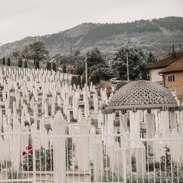 Zwiedzanie Sarajewa: cmentarz Kovači.