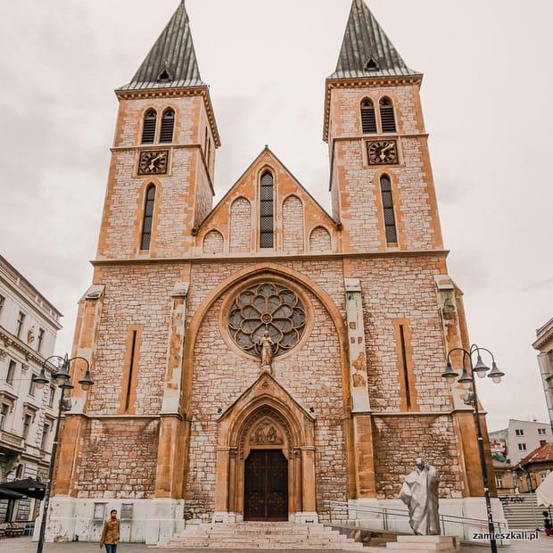 Zwiedzanie Sarajewa: Katedra Serca Jezusowego w Sarajewie.