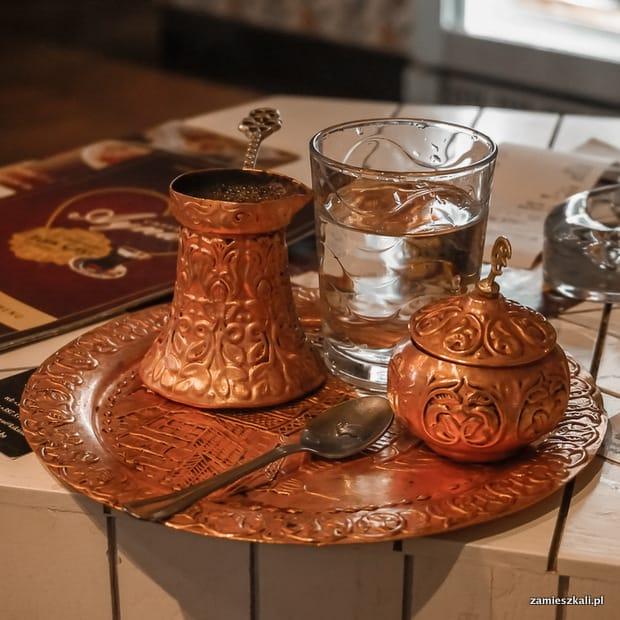 Zwiedzanie Sarajewa: kawa w tygielku.