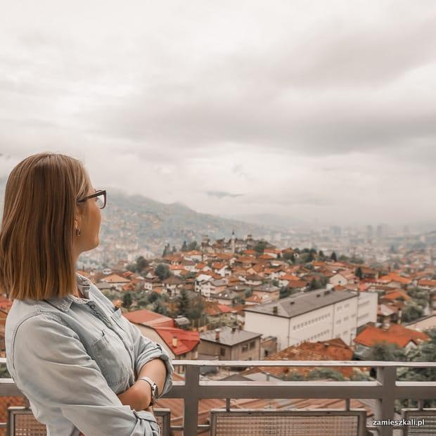 Zwiedzanie Sarajewa: widok na Sarajewo.
